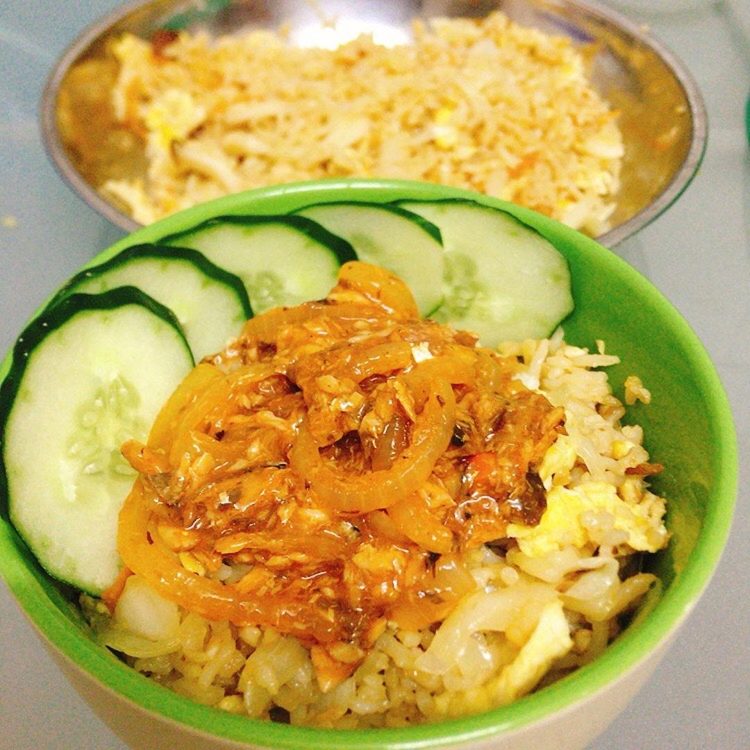 Fried rice with sardine. 🤤🤤