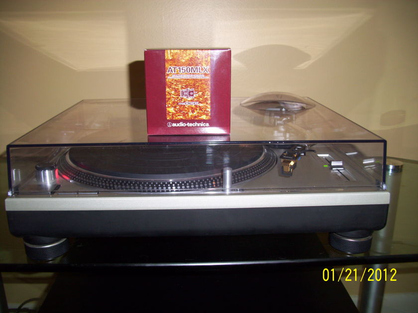Technics SL1200MKII-one owner Low hrs. New AT 150MLX
