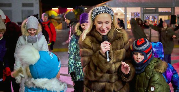 Лёд и JAZZ 89.1 FM! Анастасия Гребенкина научила детей азам фигурного катания - Новости радио OnAir.ru