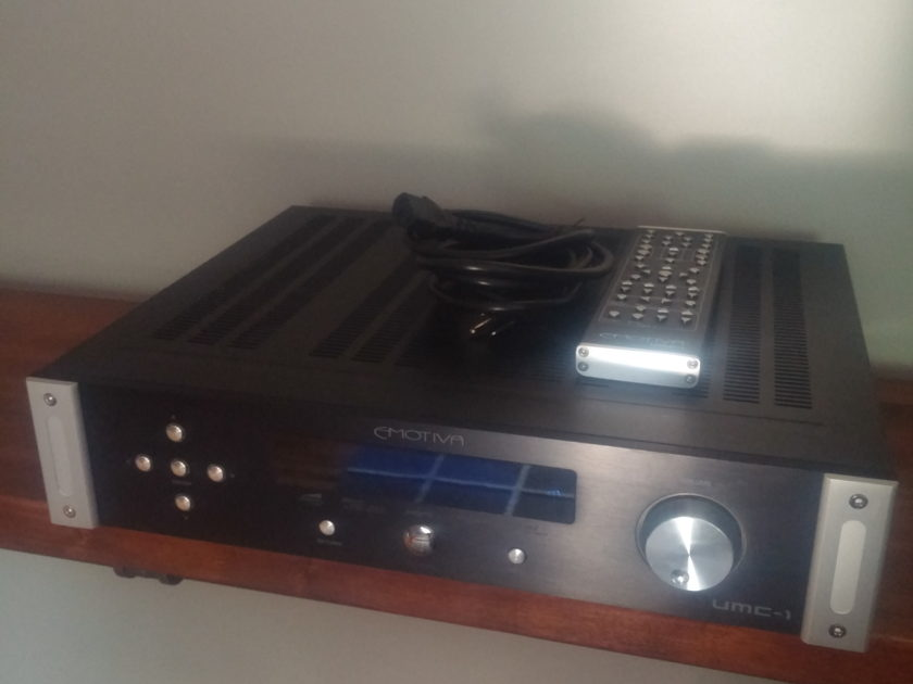 Emotiva UMC-1 Home Theater PrePro ( Preamp Processor )