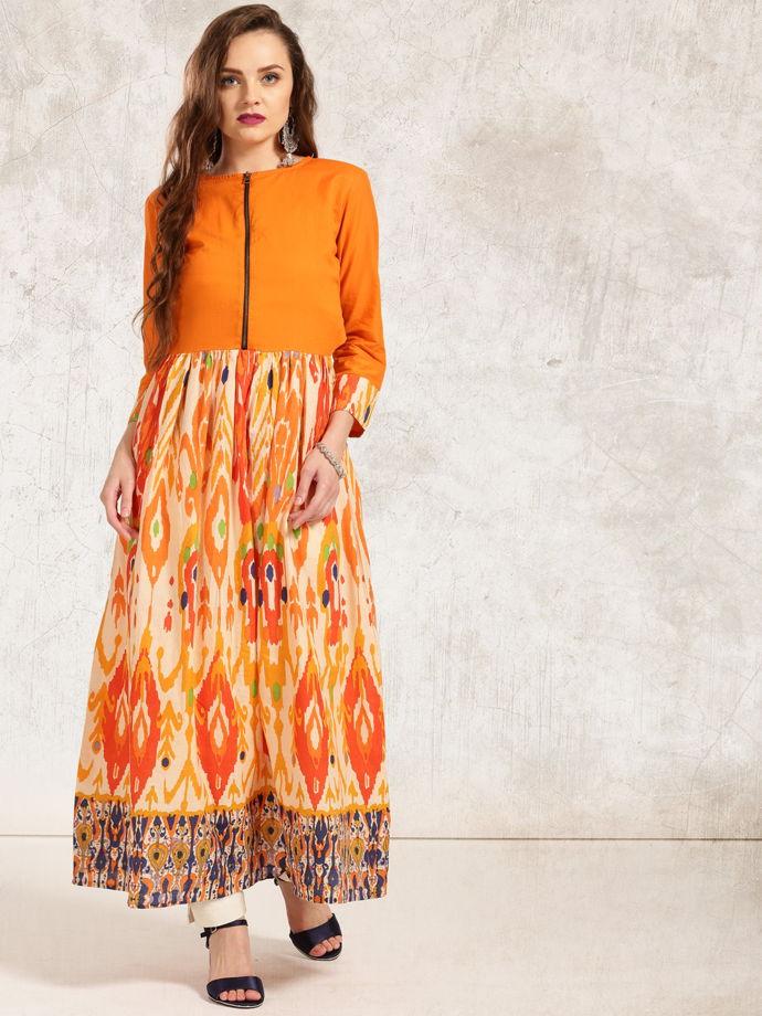 Яркое оранжевое платье