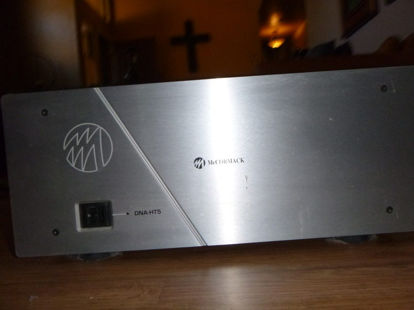 McCormack HT-5 OUTSTANG HOME THEATER 5 CHANNEL AMP