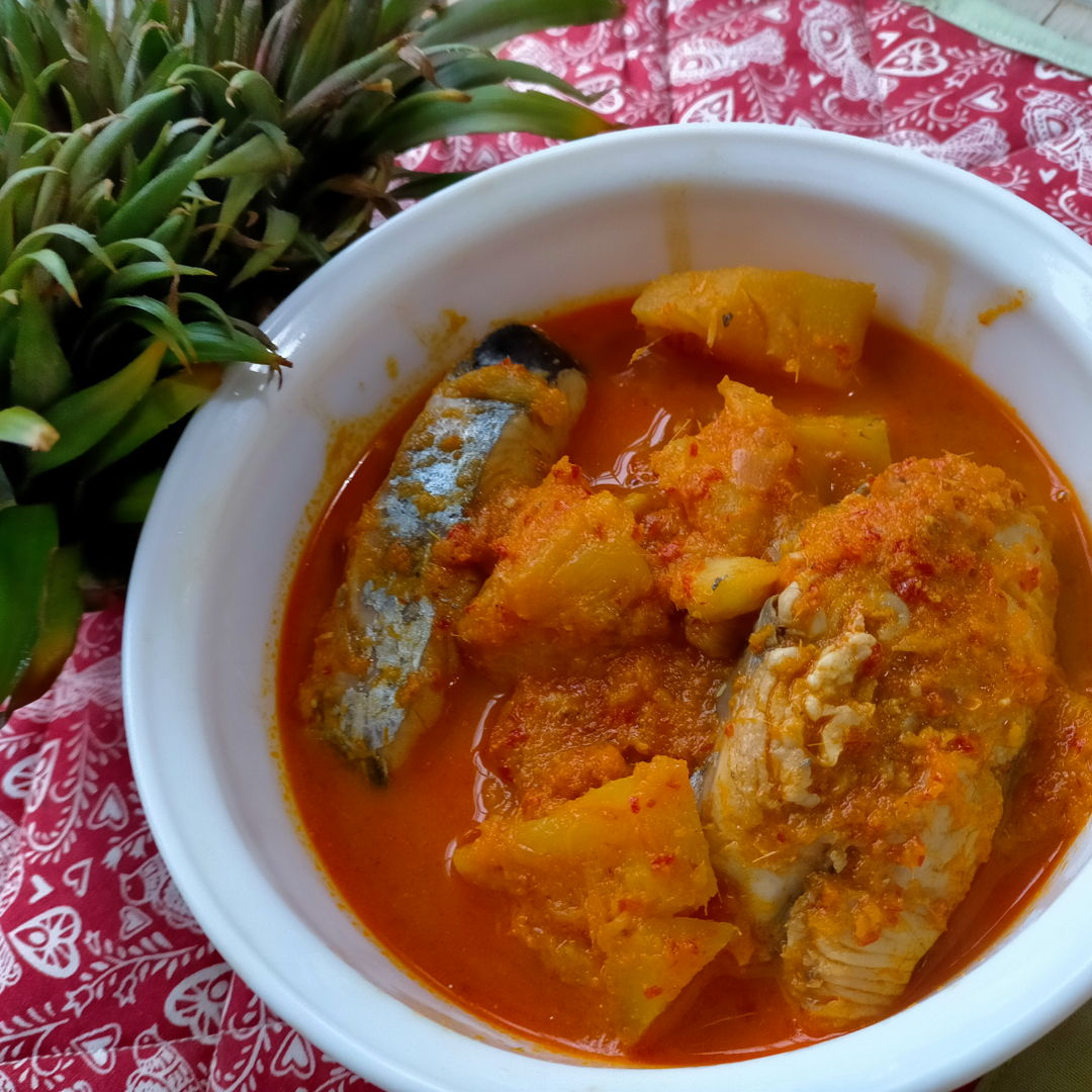 Pineapple Fish Curry (Lemak Nenas Ikan Tenggiri)