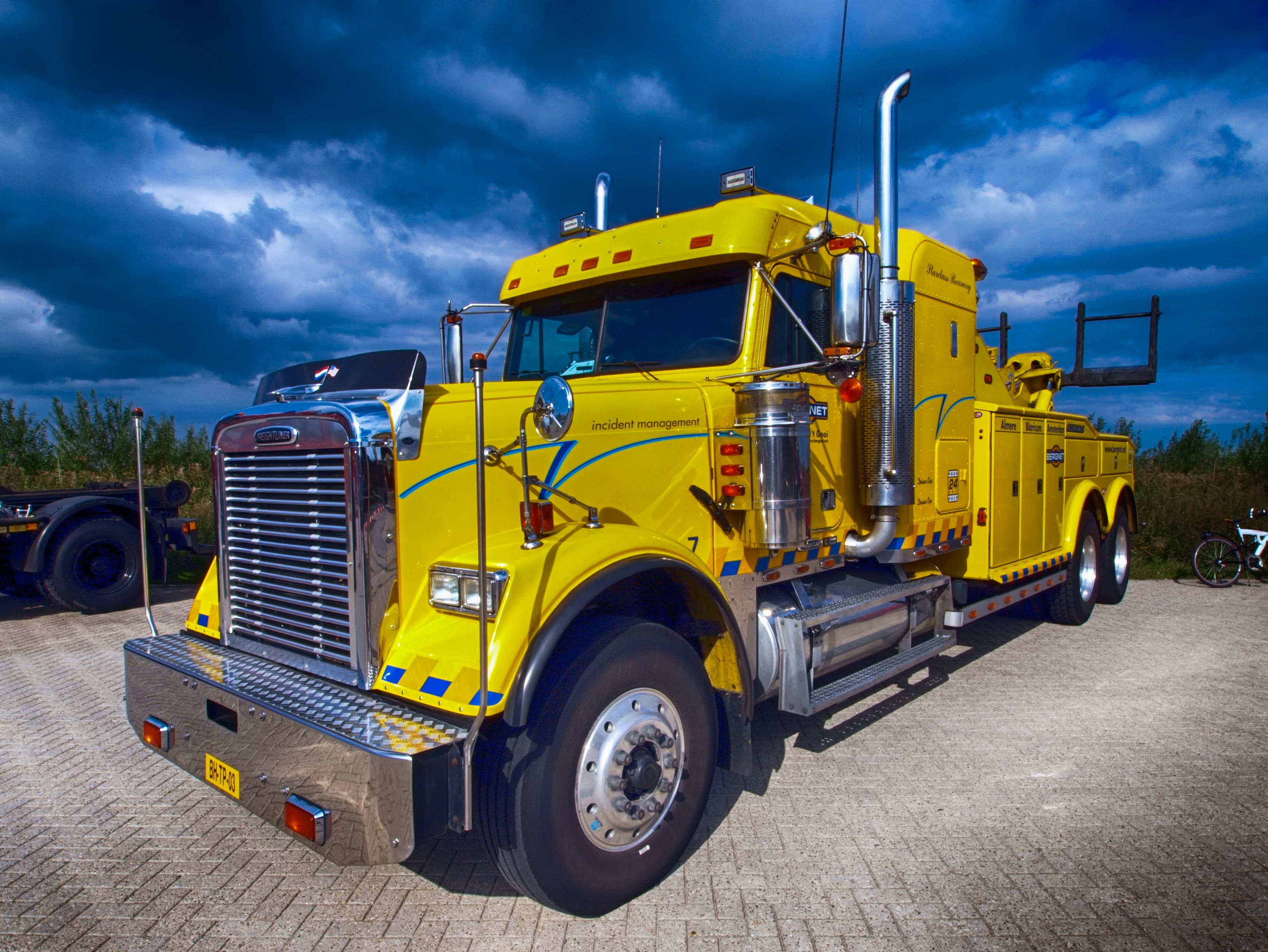 leilão de caminhões