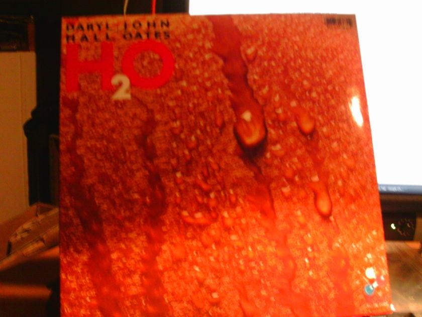 Hall-oates - H 2 O