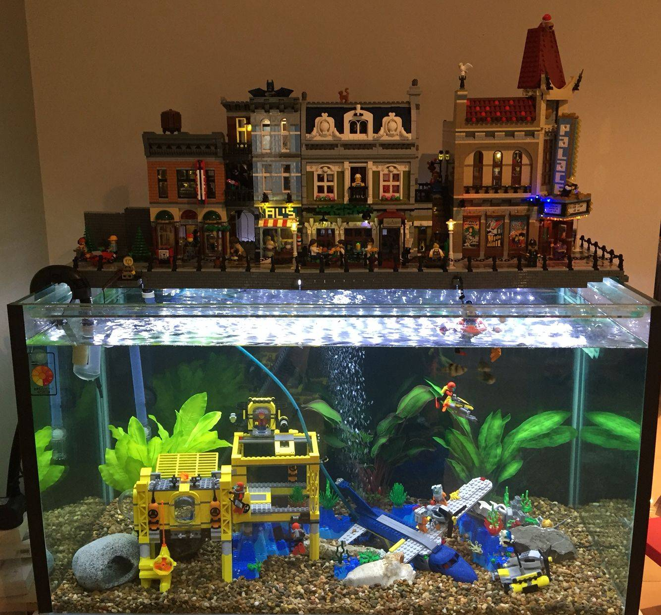 Fish Swimming Castle lego