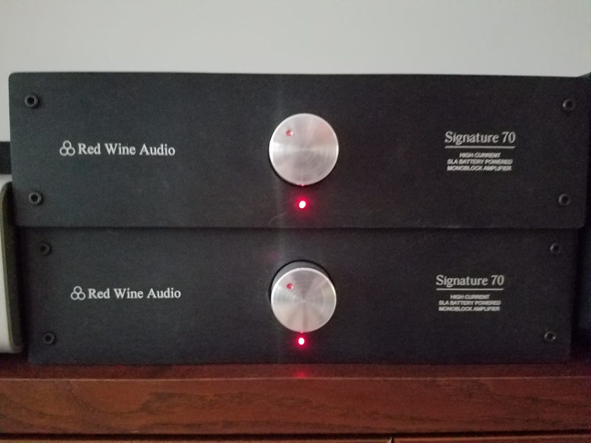 Red Wine Audio Signature 70 Mono block Pair - Battery (Buttery) Operated