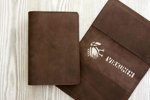 """Коричневая обложка для паспорта, из натуральной кожи """"Темный шоколад"""""""