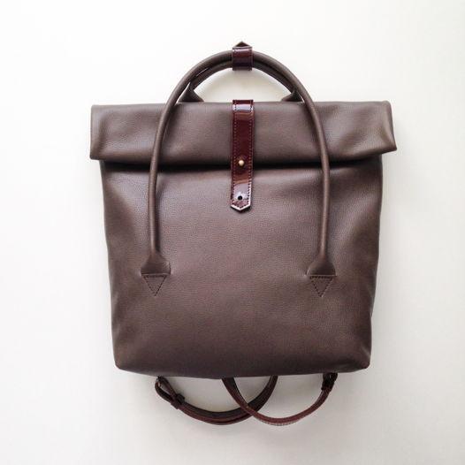 Кожаный рюкзак-сумка Rolltop Cappuccino/Cherry