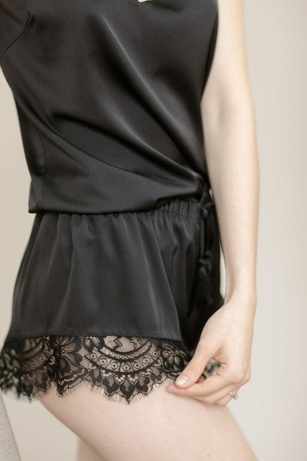 Комплект шёлковый для дома чёрный с кружевом