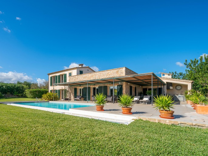 Stunning new country house near Pollensa Golf