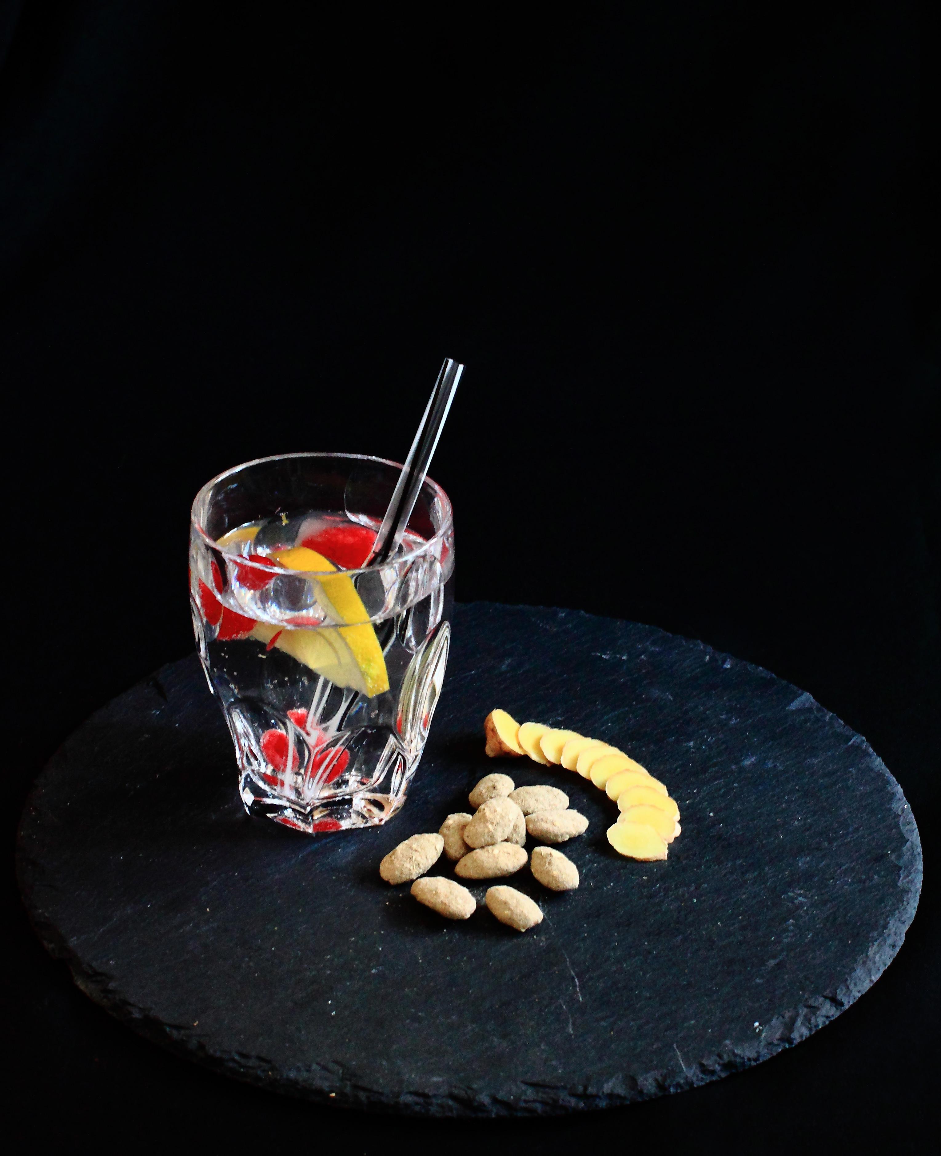 Gewürznüsse Rezept Yuis Morgentau mit Mandel, Cocktail und Ingwer