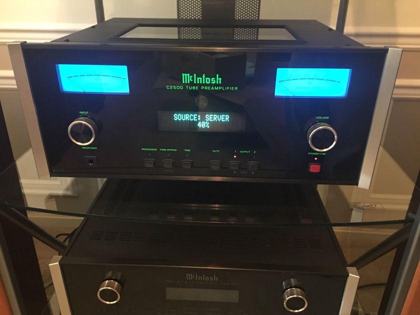 McIntosh C2500 Vacuum Tube Pre Amplifier