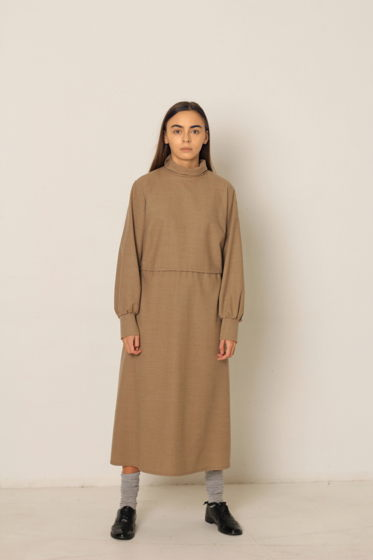 Платье цвета camel