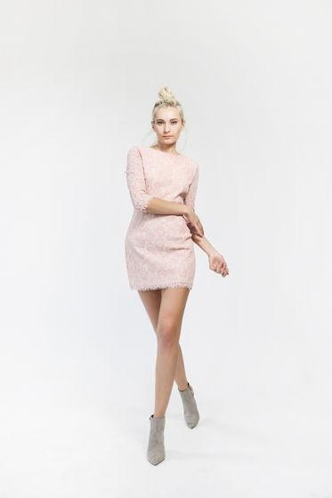Платье из кружева светло-розовое