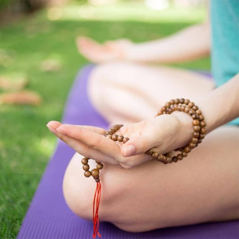 handful use of  Mala Beads by kumioils blogs