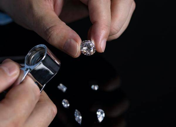 Lab grown diamond grading and certification