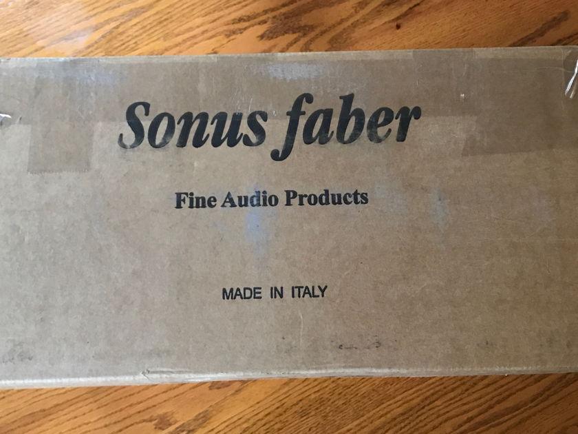 Sonus Faber Wall Domus Surround Speakers Teak