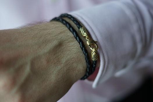 Мужской плетеный браслет