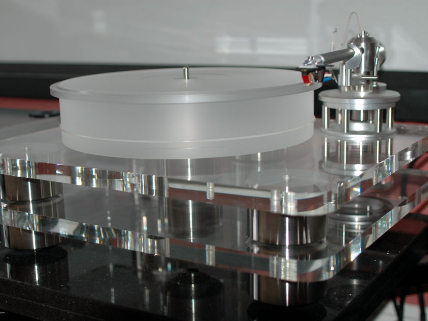 Clearaudio  Champion Level 2  with Unify 9 Tonearm