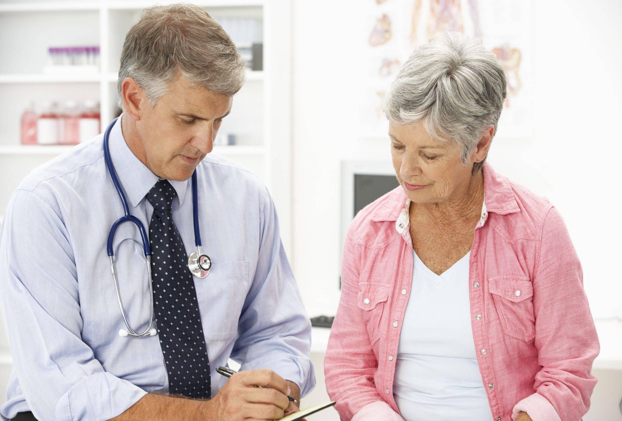يذهب المرضى الذين يعانون من اضطرابات النوم لرؤية الطبيب