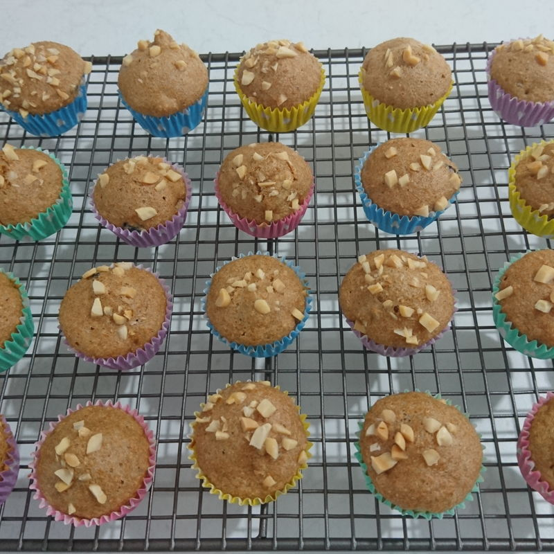 Date: 7 Jan 2020 (Tue) 23rd Snack: Bran Muffins [175] [137.4%] [Score: 7.8] I had always wanted to make cupcakes/muffins. I thought the fastest way to learn to make them is to buy a Prinetti Cupcake Making Kit. In the Kit there's a booklet showing 7 recipes to make cupcakes/muffins. This is the seventh of the seven and the last. 1.Number of mini muffin made: 33 2.Mixed into batter: Mixed nuts and fruits 3.Topping: Chopped peanuts  That concludes the experiment of using Prinetti Cupcake Making Kit to bake mini cupcakes/muffins with the following results: 1.Chocolate Cupcake – Score: 9.0 2.Vanilla Cupcake – Score: 7.5 3.Carrot Cake Cupcakes – Score: 8.0 4.Red Velvet Cake Cupcakes – Score: 9.0 5.Lemon Cupcakes – Score: 7.8 6.Blueberry Muffins – Score: 7.8 7.Bran Muffins – Score: 7.8
