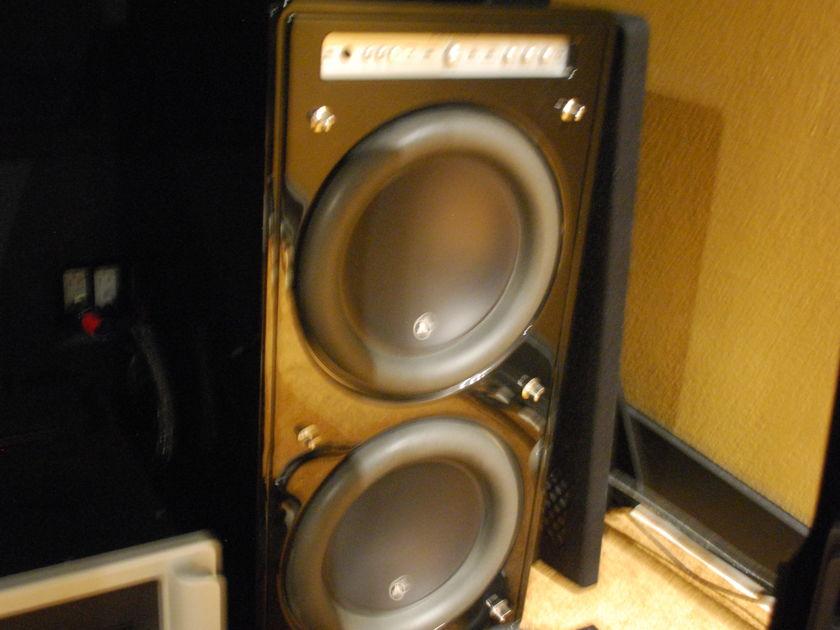 JL Audio  F212 Gloss Black